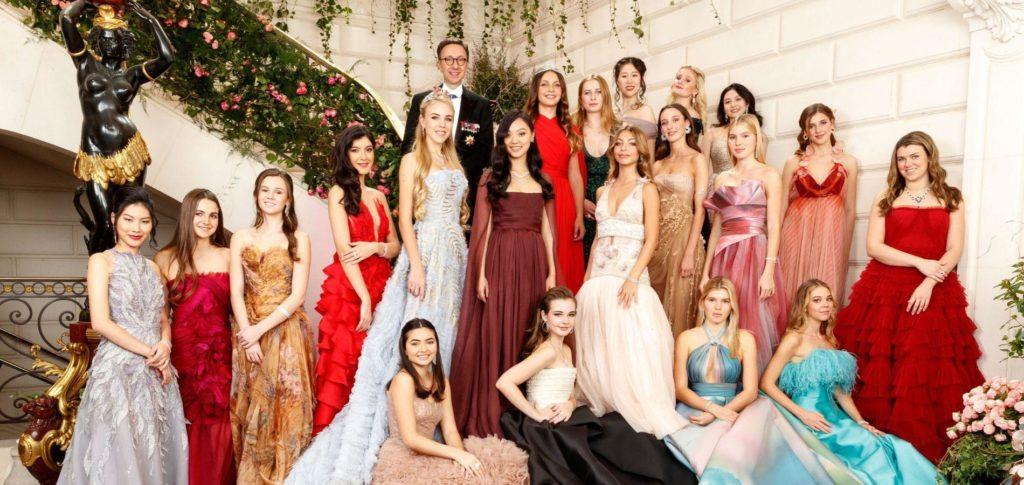 https://histoiresroyales.fr/wp-content/uploads/2019/12/bal-des-debutantes-2019-robes-1024x485.jpg